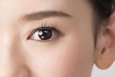 眼内コンタクトレンズ挿入手術による治療(ICL)